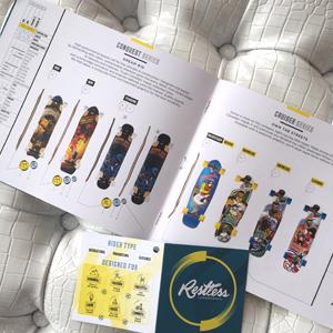 Intérieur catalogue Restless et étiquette de produits